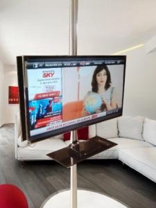 TV com prateleira 6